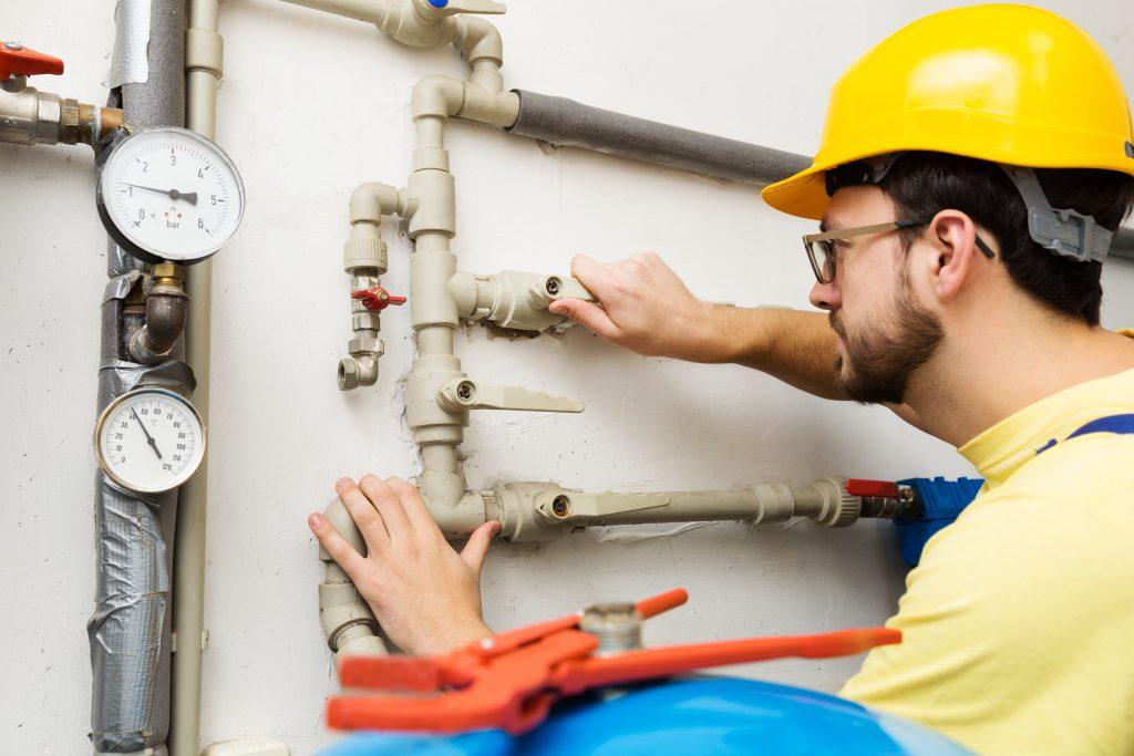 O que é facilities? Eles são um conjunto de serviços que melhoram a prestação de serviços por parte do setor imobiliário